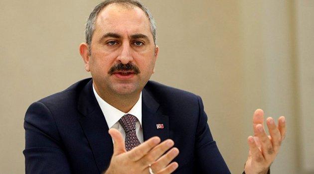 Adalet Bakanı: Sizin gibi düşünmeyen kimseye baskıda bulunamazsınız