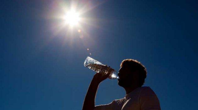 Aşırı Sıcaklarda Sağlığımız İçin Nelere Dikkat Etmeliyiz?
