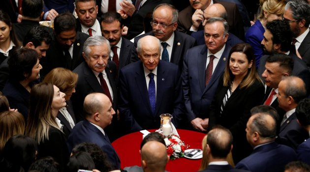Bahçeli: Türkiye'de birileri bir şeyler düşünüyor ama ne düşünüyor, tam cevap vermiyor fakat bir işaret veriyor