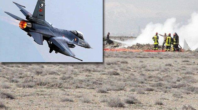 Bakan uçakların neden düştüğünü açıkladı