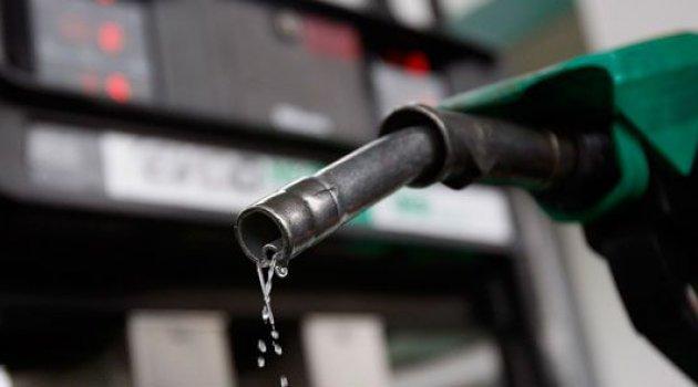 Benzin fiyatlarına indirim geldi! Pompaya yansıyacak