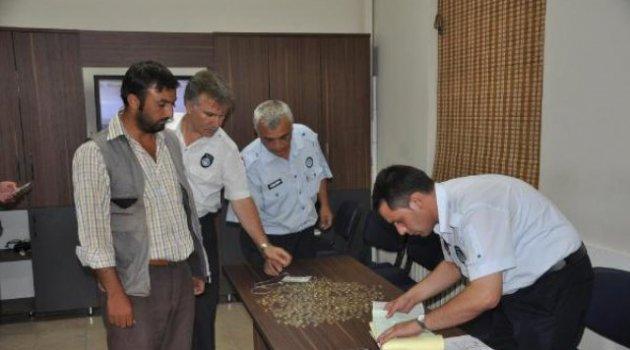 Günlük 500 TL Kazanan Dilenci Polisleri Şoke Etti