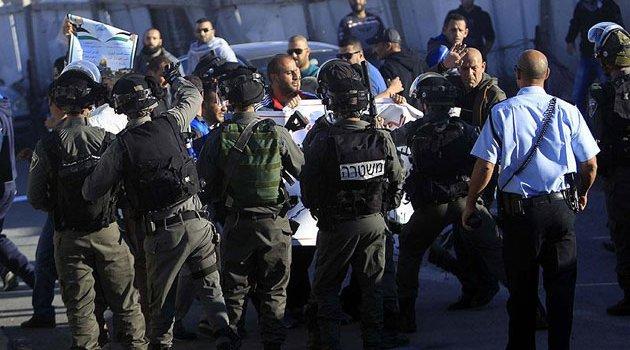 İşgal askerleri 10 Filistinliyi gözaltına aldı