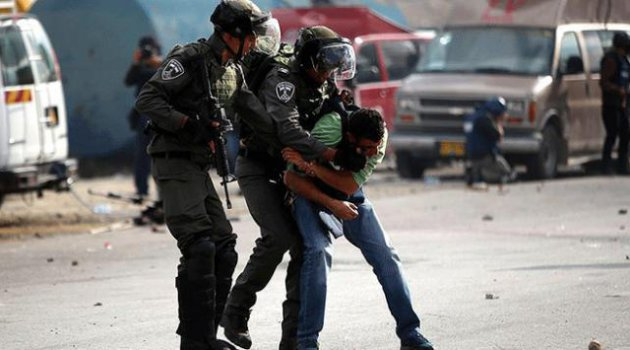 İşgalci İsrail güçleri 22 Filistinliyi gözaltına aldı