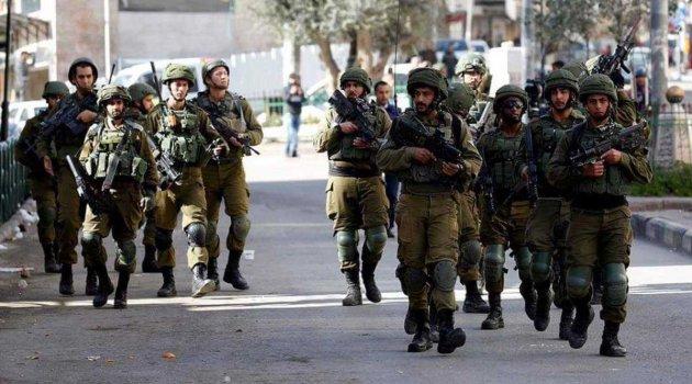 İsrail Askerlerinden Kudüs Valiliğine Baskın