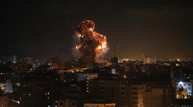 Katil İsrail, Gazze'deki El Aksa televizyonunu vurdu