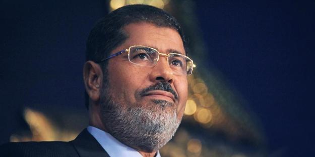 Mursi: Kur'an Bizim Anayasamızdır!