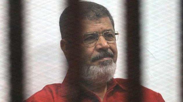 Muhammed Mursi'nin son anları: Yere yığıldıktan sonra 20 dakika müdahale edilmedi
