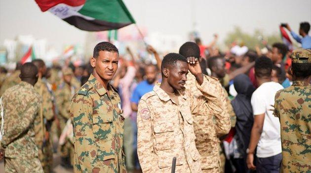 Sudan'da askeri konsey hükümet için aday göstermeyecek