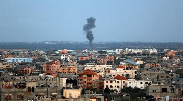 Terörist İsrail Gazze'yi vuruyor!
