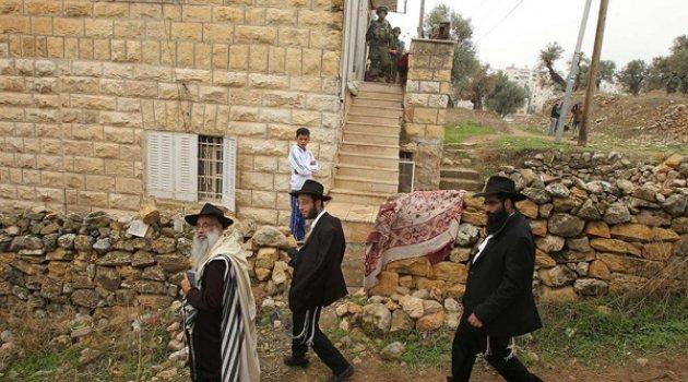 Yahudi yerleşimcilerden 'ırkçı' saldırı