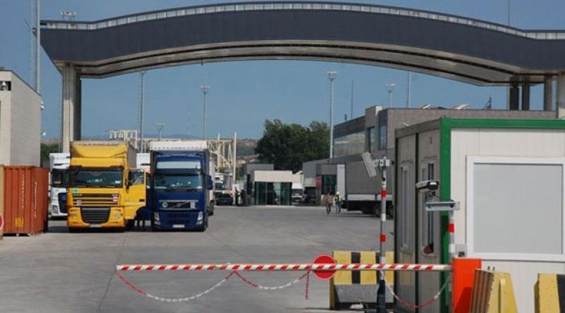 Yunanistan, gümrük kapısını kapatacağını duyurdu