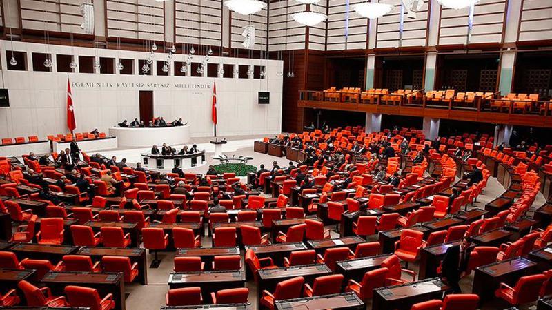 Çoklu baro düzenlemesi Meclis'te kabul edilerek yasalaştı