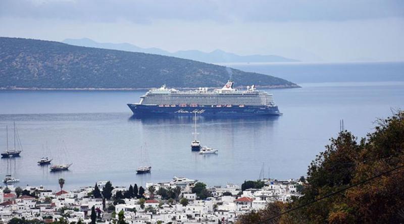 Dev cruise gemileri rotayı Türkiye'ye çevirdi