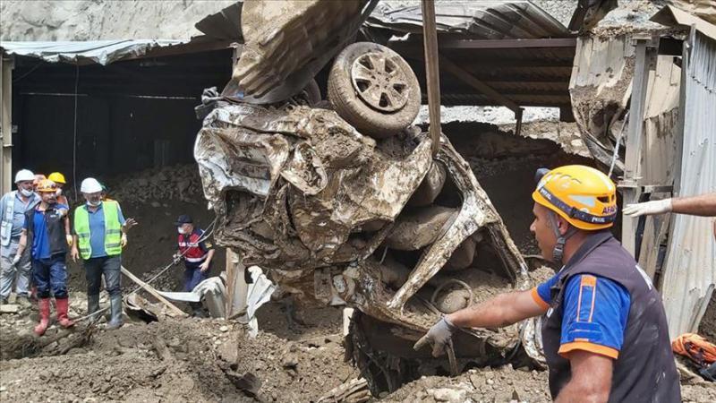 Artvin'deki selde kaybolan 3 kişinin daha cansız bedenine ulaşıldı