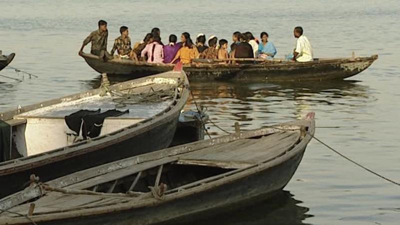 Hindistan'da 3 tekne alabora oldu: 34 ölü