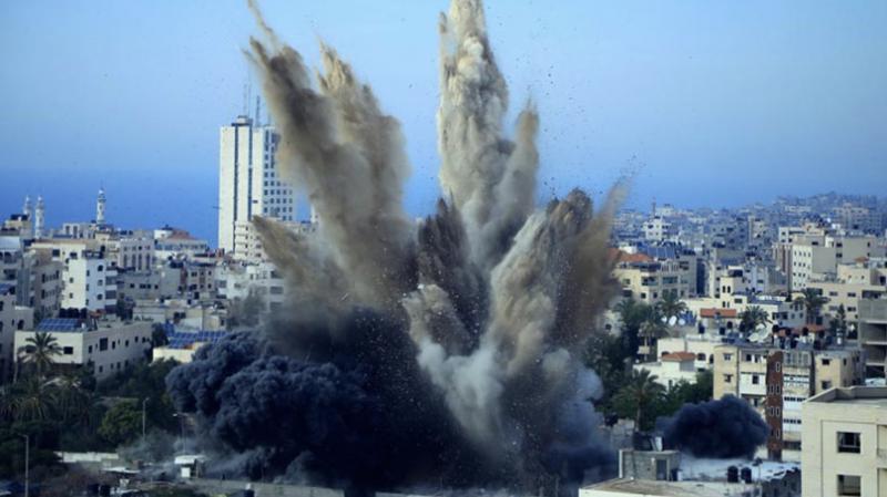 İşgalci İsrail, Gazze'deki bir okula füze saldırısı düzenledi