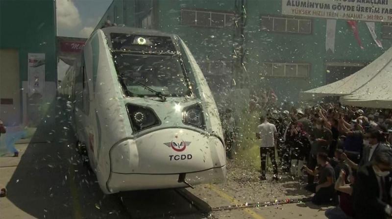 Elektrikli Trenin Fabrika Testleri Başlatıldı