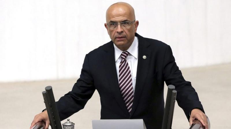 Anayasa Mahkemesi, Enis Berberoğlu Kararını Erteledi