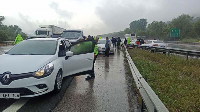 TEM'de Feci Kaza! 25 Araç Birbirine Girdi