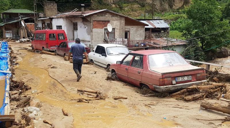 AFAD: Rize'deki selde 80 kişi kurtarıldı