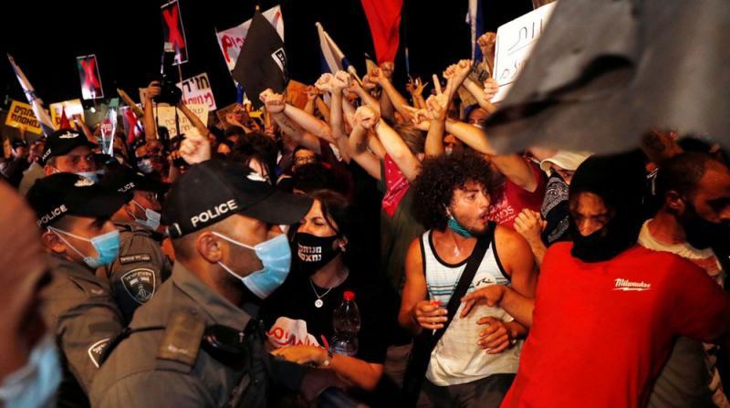 Netanyahu'ya Tepki Dinmiyor! Binlerce Kişi Protesto Etti!