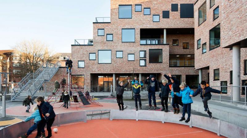 Danimarka Anaokulları ve Okulları Yeniden Açıyor