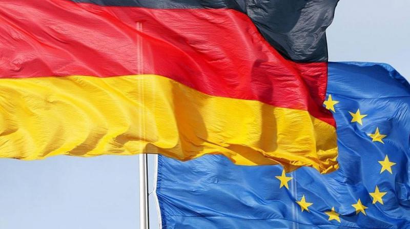 AB'den Almanya'ya 'Hukuki Süreç' Uyarısı