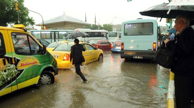 Meteoroloji Uyardı: 9 İlde Kuvvetli Yağış Geliyor