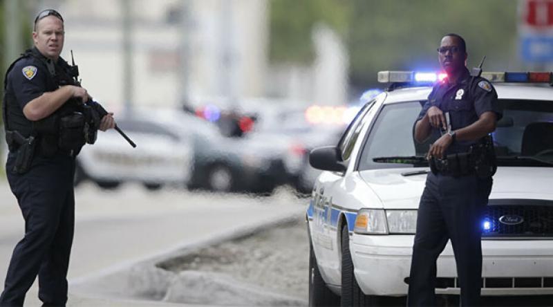 ABD polisi bir siyahı daha vurdu: Arkasından 7 el ateş ettiler