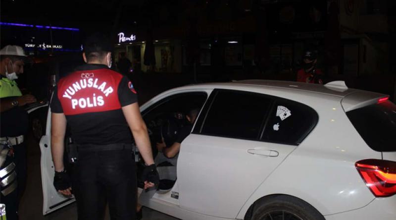 Adana'da hava destekli aşayiş uygulaması: 159 sürücüye toplam 93 bin 295 lira ceza