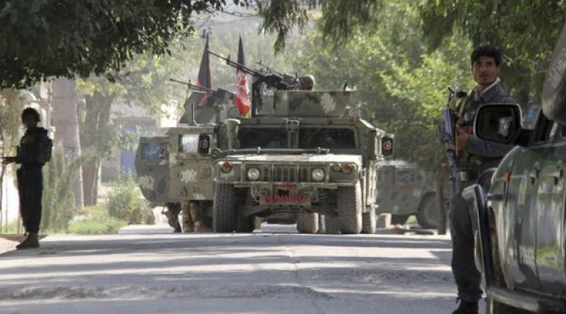 Afganistan'da emniyet müdürüne silahlı saldırı: 3 korumasıyla öldürüldü