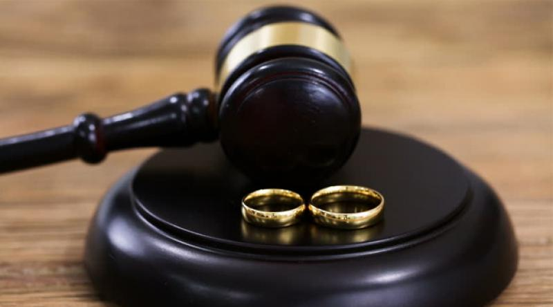 Aile mahkemesinden çocuğun soyadını belirleme hakkını anneye de tanıyan karar