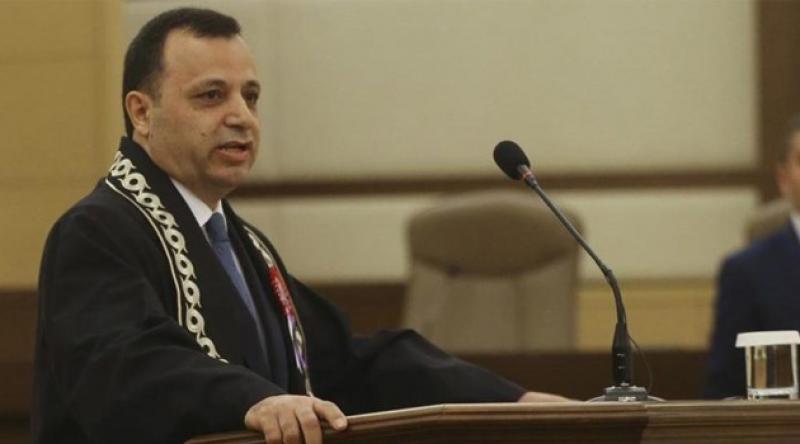 AYM Başkanı: Hukuksuz kalan devlet, yaşam destek ünitesine bağlı bir hasta gibidir