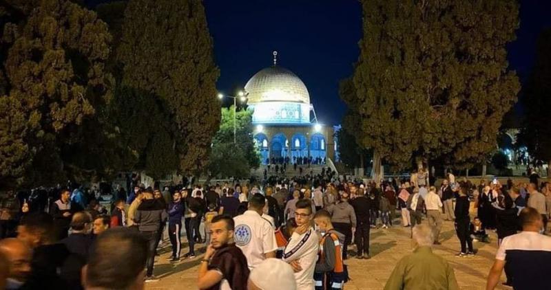 Binlerce Müslüman sabah namazını Mescid-i Aksa'da kıldı