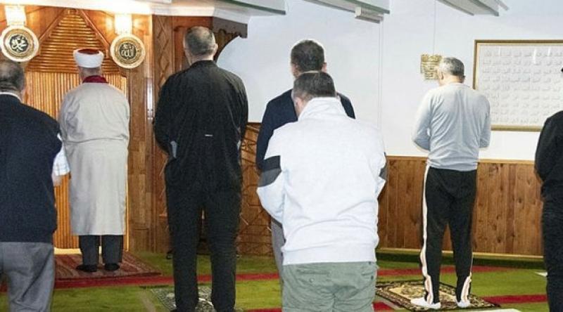 Danimarka'da camiler yeniden ibadete açıldı