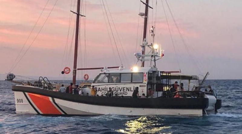 Çanakkale açıklarında tekneleri sürüklenen 145 sığınmacı kurtarıldı