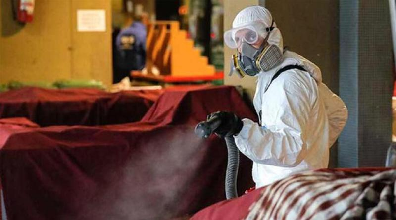 İngiltere'de koronavirüs nedeniyle uygulanan kısmi karantina 3 hafta uzatıldı