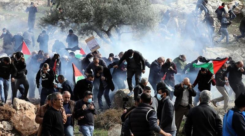 İşgalcilerden bir asker Filistinlilerden çok sayıda sivil yaralandı
