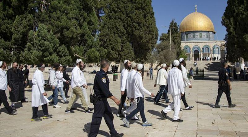 Fanatik Yahudi Yerleşimcilerden Mescidi Aksa'ya Baskın