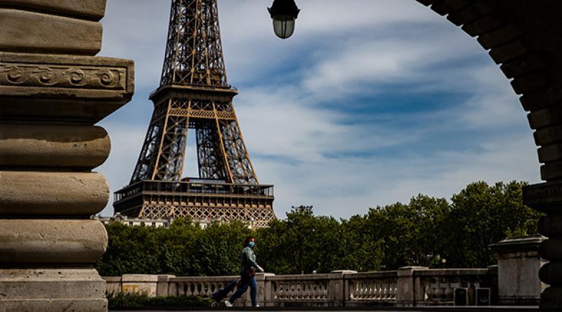 Fransa'da sokağa çıkma yasağı sona eriyor
