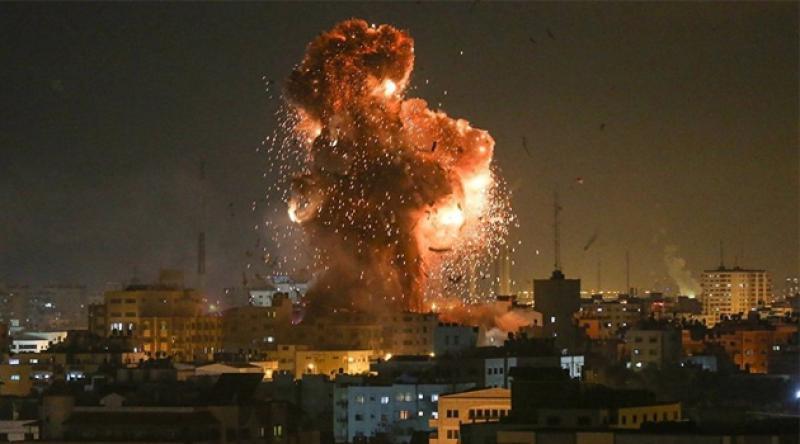 Siyonist İsrail'den Gazze'ye bombardıman!