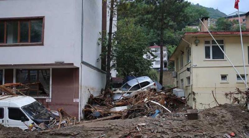 Bakan Selçuk: Giresun'daki sel felaketinden etkilenenlere 2,5 milyon TL kaynak aktarılacak