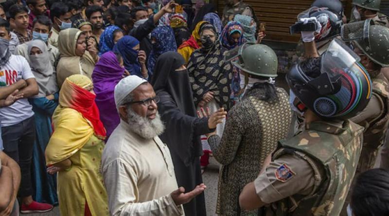 Hindistan'da Müslümanlar hastanelere alınmıyor!
