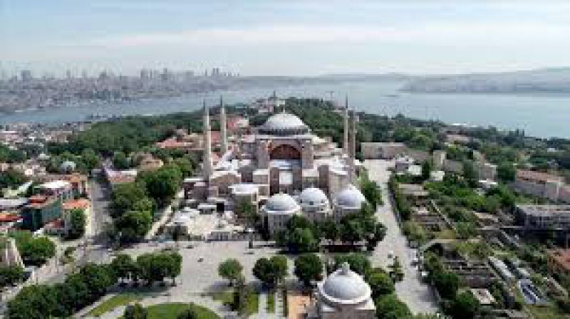 AKP Ayasofya'nın ibadete açılması önerisine ret oyu verdi!