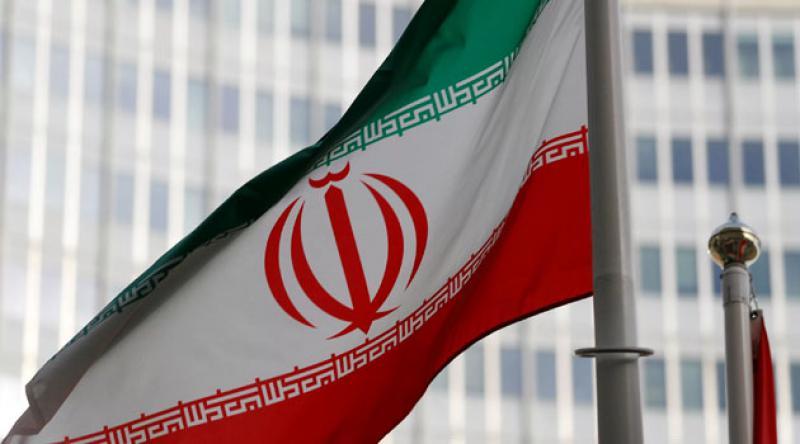 İran iki nükleer tesisi denetime açtı