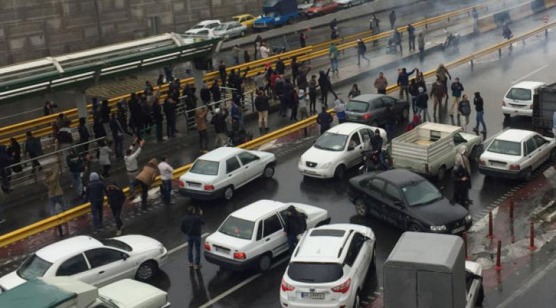 İran'da protestolar sebebiyle internete erişim engeli