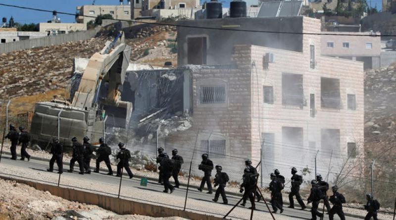 Siyonist işgal rejimi bu yılın ilk 6 ayında Filistinlilere ait 136 ev 221 de iş yeri yıktı