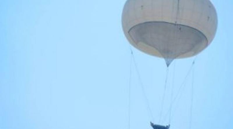 İsrail güçleri, Filistinlileri sıcak hava balonuyla gözetliyor