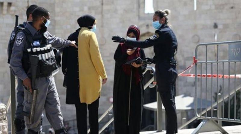 İsrail Filistinlilerin Mescid-i Aksa'ya girişini engelledi!